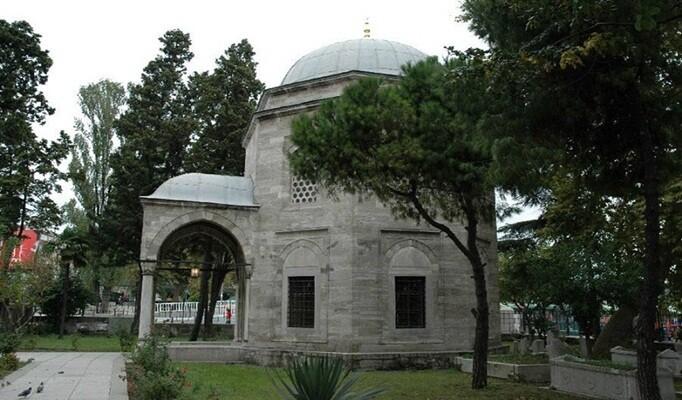 Barbaros Hayreddin Paşa mezarı